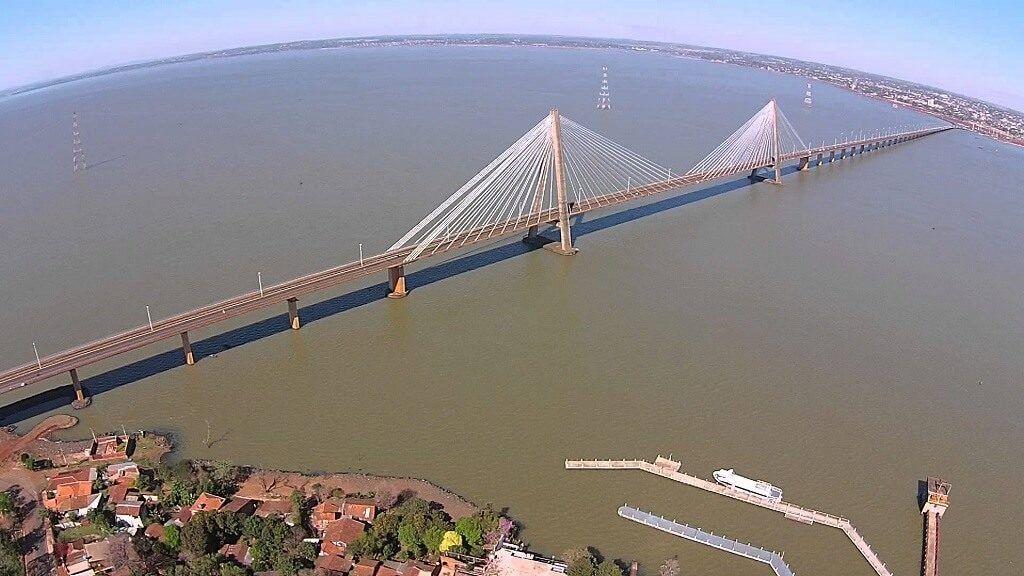 """El tren entre Argentina y Paraguay atraviesa el Puente ferrovial """"San Roque González de Santa Cruz"""""""