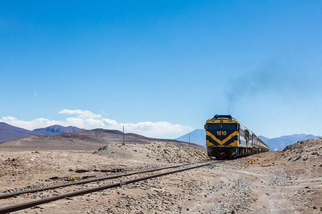 El tren que conecta Oruro con Uyuni, en Bolivia